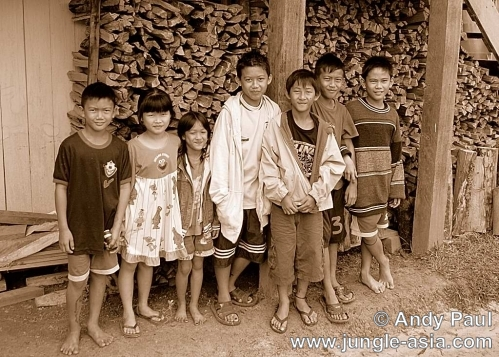 Lun Bawang children from the village of ...