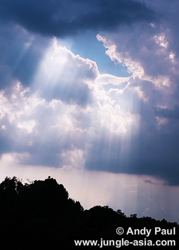 Crepuscular rays over Kampung Gading-Gad...